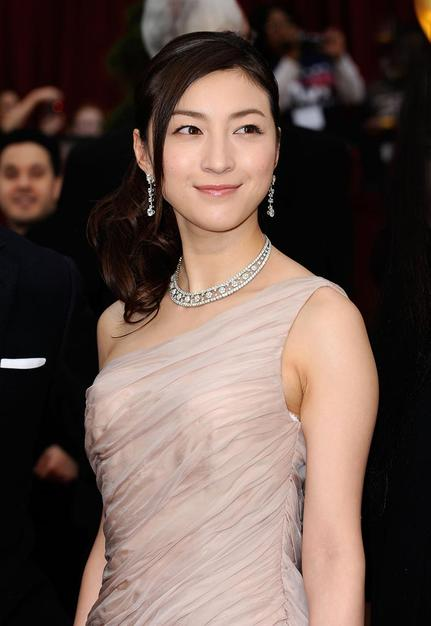 "Ryoko Hirosue of ""Departures"" at the Oscars on February 22, 2009."