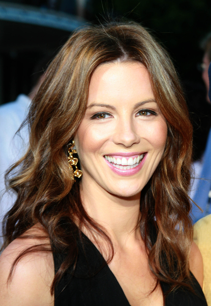 Kate Beckinsale is part Asian. Yes, indeedy.